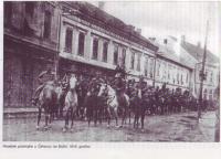 Hrvatske_postrojbe_u_akovcu_za_Boi_1918